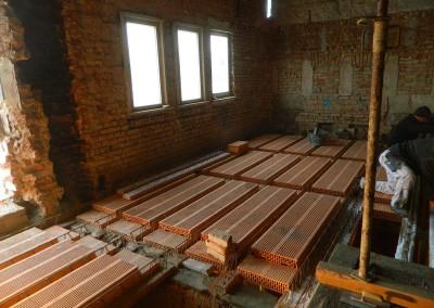 Einbau einer neuen Ziegelsteindecke im Dachgeschoss