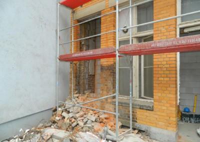 Mauerwerksdurchbruch für den zukünftigen Zugang zum Fahrradraum
