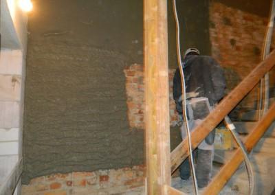 Innenputzarbeiten im neuen Treppenhaus des Rabensteinplatzes 03