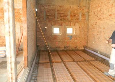 neuer Ziegelsteinfußboden im Dachgeschoß