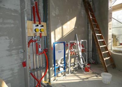 Rohinstallation Sanitär in einem Hauptbad