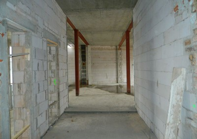 statische Verstärkungen und Kaminanschluss in einem Obergeschoss