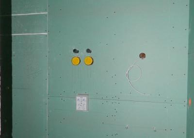 abgeschlossener Trockenbau in einer Sanitärzelle vor den Spachtelarbeiten