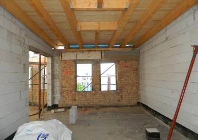 zukünftiger Wohnraum mit neuer Dacheindeckung