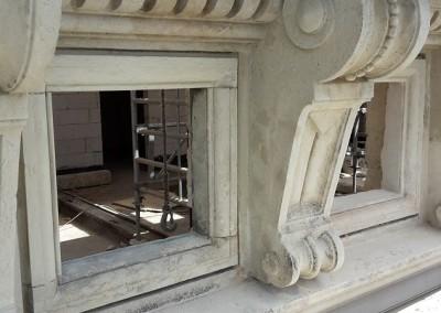 Attikafenster nach Entfernung der alten Ausmauerung
