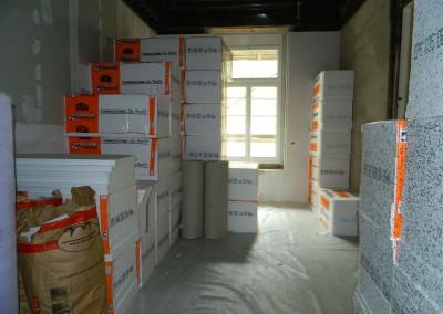Bereitstellung der Trittschalldämmung für die Fußbodenheizung