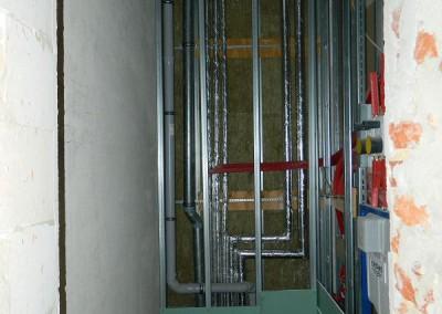 weiterführende Sanitärinstallationsarbeiten in einem Regelgeschoss