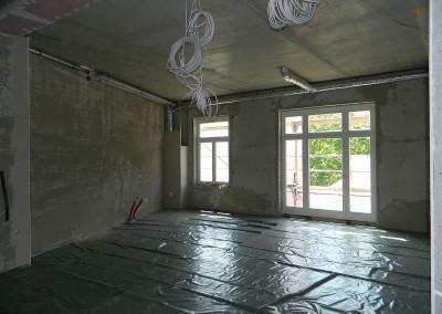 Vorbereiteter Wohnbereich in einem Regelgeschoss vor dem Estricheinbau