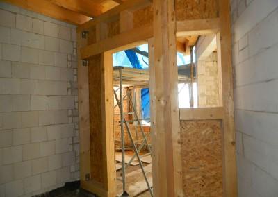 Zimmermannsarbeiten im Bereich des zukünftigen Gäste-WC's und einer Abstellkammer