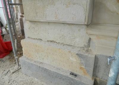 Steinmetzmäßige Aufarbeitung der Strassenfassade