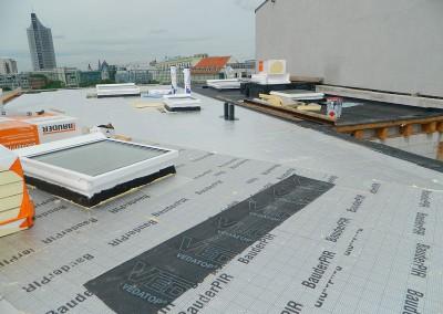 Weiterführende Arbeiten an der Dacheindeckung