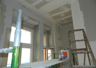 Geschliffene Trockenbauwände in einer Küche in einem Regelgeschoss