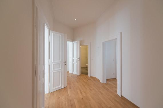 Vermietung Täubchenweg 1 - Referenz Löhrstraße 8 - Beispiel für einen Korridor