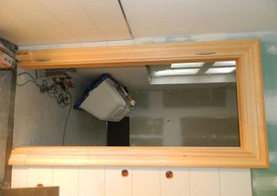 Neue Zarge in der Tür zwischen Hauptbad und Schlafzimmer