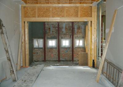 Ständerwerk für die Fenster der Loggia in einer Dachgeschosswohnung