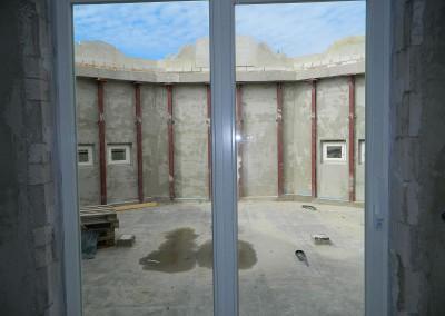 Neu eingebaute Atriumtüren von der Diele aus gesehen