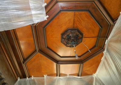 Sicherung der Holzkassettendecke vor Beginn der Malerarbeiten