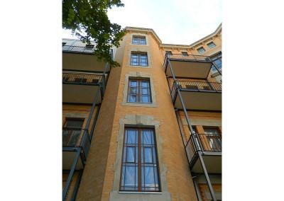 Treppenhauskopf mit den Balkonen