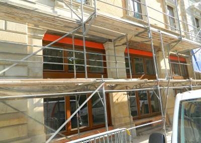 Strassenfassade mit neuen Panoramafenster