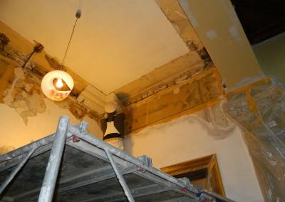 Erneuerung des Stucks im Entreé Täubchenweg
