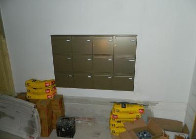 Anbau der Briefkastenanlage im Bereich Täubchenweg 01