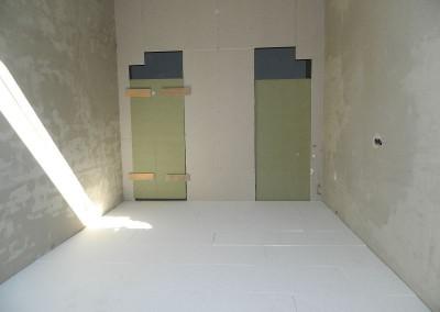 Dämmung im Erdgeschoss in Vorbereitung des Einbaus der Fußbodenheizung
