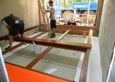Fensterbauer bei der Arbeit
