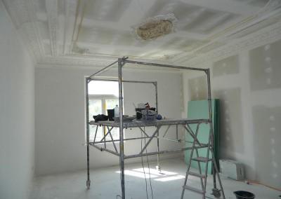 Stuckarbeiten in einem Wohnraum