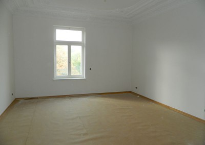 Malerarbeiten in einem Wohnraum im III.OG