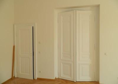 Malermäßig aufgearbeitete Zimmertüren