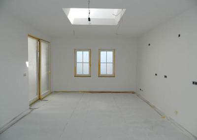 Malerarbeiten in der Küche einer Dachgeschosswohnung