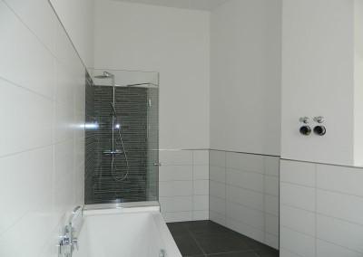 Dusche in einem Hauptbad