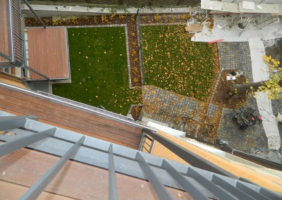 Hofansicht von einem Balkon aus gesehen