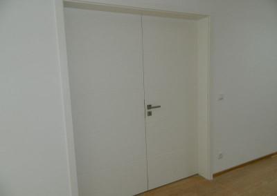 Ansicht einer neuen Zimmertür im Dachgeschoss