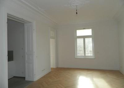 Apartmentwohnung vor Einbau der historischen Kassettentüren