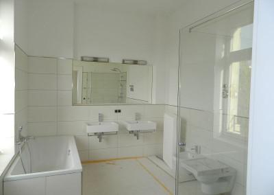 Hauptbad in einer Regelgeschosswohnung nach Komplettierung
